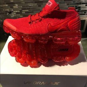 Nike Shoes - Women's Nike Vapormax Flyknit